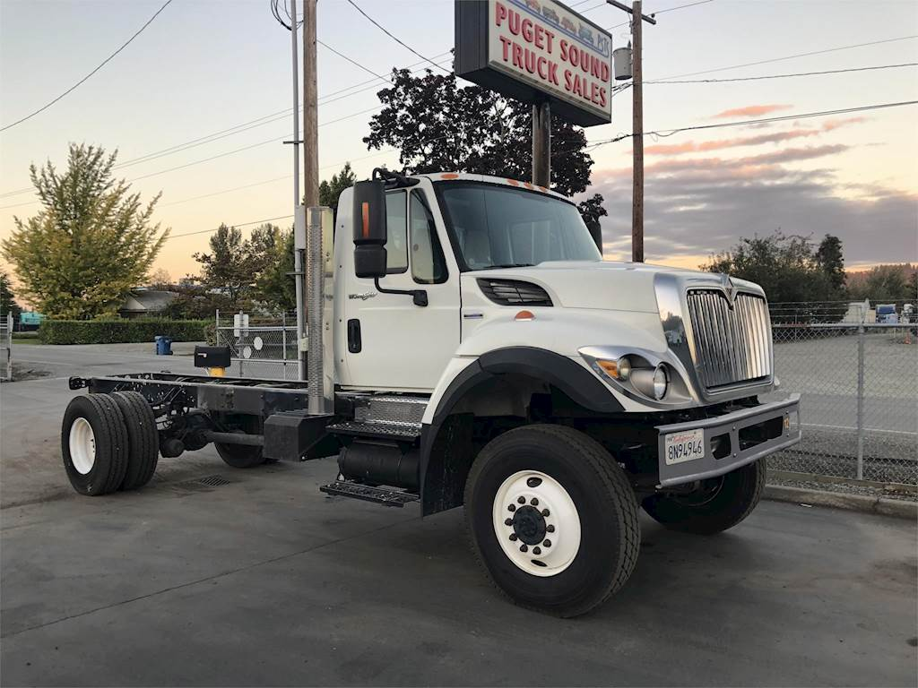 2008 International 7400 Single Axle Cab & Chassis Truck, DT285, 285HP,  Automatic