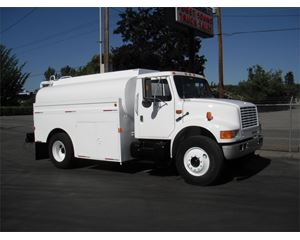 International 4700 Gasoline / Fuel Truck