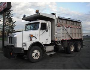 Freightliner FLD11264SD Heavy Duty Dump Truck