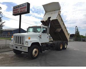 International 2574 Heavy Duty Dump Truck