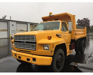 Ford F-700 Medium Duty Dump Truck