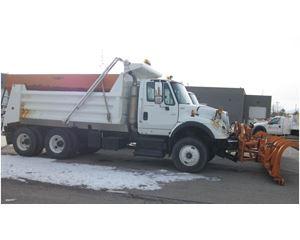International 7600 Plow / Spreader Truck