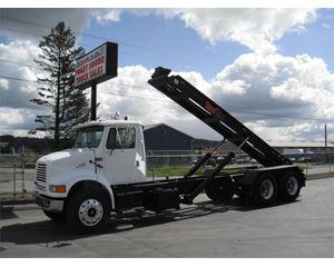 International 8100 Roll-Off Truck