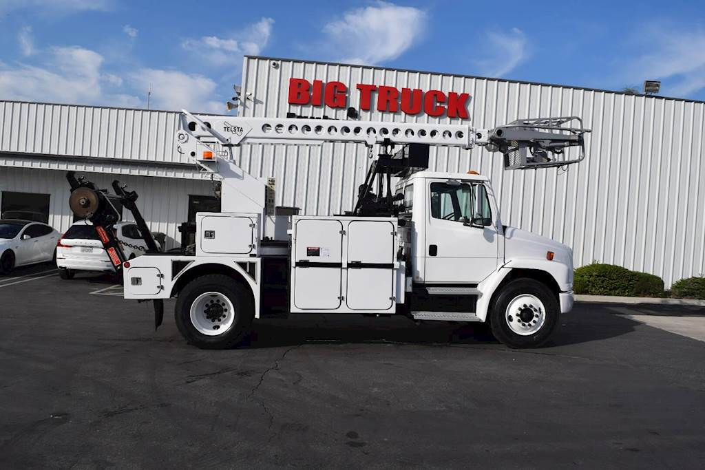 2000 Freightliner FL70 Single Axle Boom / Bucket Truck, Automatic with  TELSTA T40C Aerial Lift