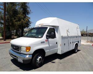 Ford E-450 Box Truck / Dry Van