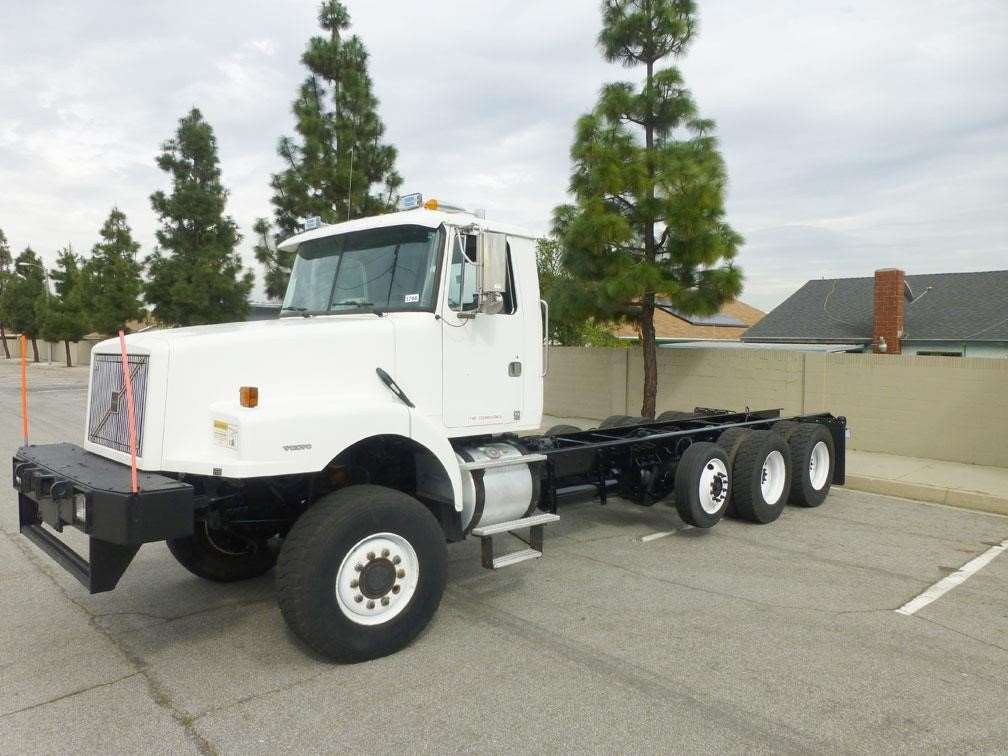 1999 volvo wg64 heavy duty cab chassis truck for sale 93 669 miles norwalk ca 3766. Black Bedroom Furniture Sets. Home Design Ideas