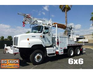 International 5600I Digger Derrick Truck