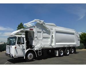 Volvo XPEDITOR Garbage Truck