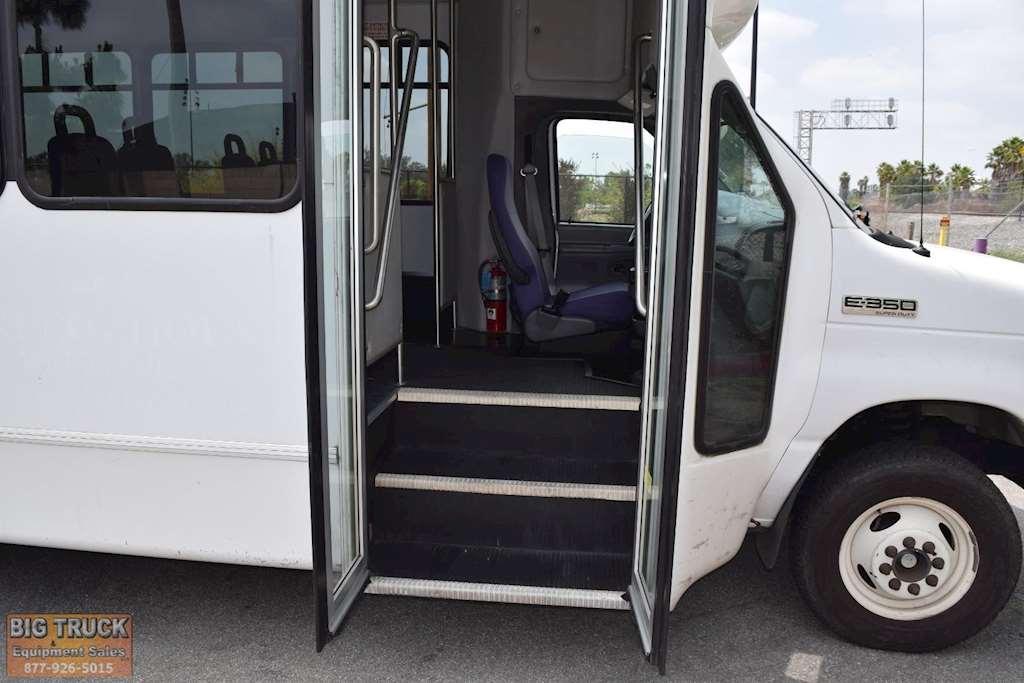 2008 ford e 350 passenger van box truck for sale 45 024. Black Bedroom Furniture Sets. Home Design Ideas