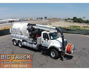 International 7600 Sewer Truck
