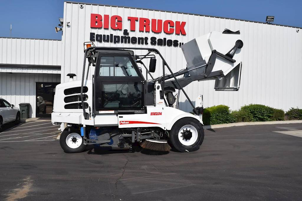 Same day shipping on all stock orders & free shipping on orders > $500. 2008 Elgin PELICAN Sweeper For Sale | Fontana, CA | 4566 ...