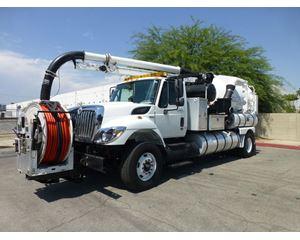 International 7400 Vacuum Tank Truck