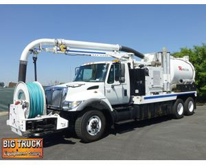 International 7400 Vacuum Tank Truck