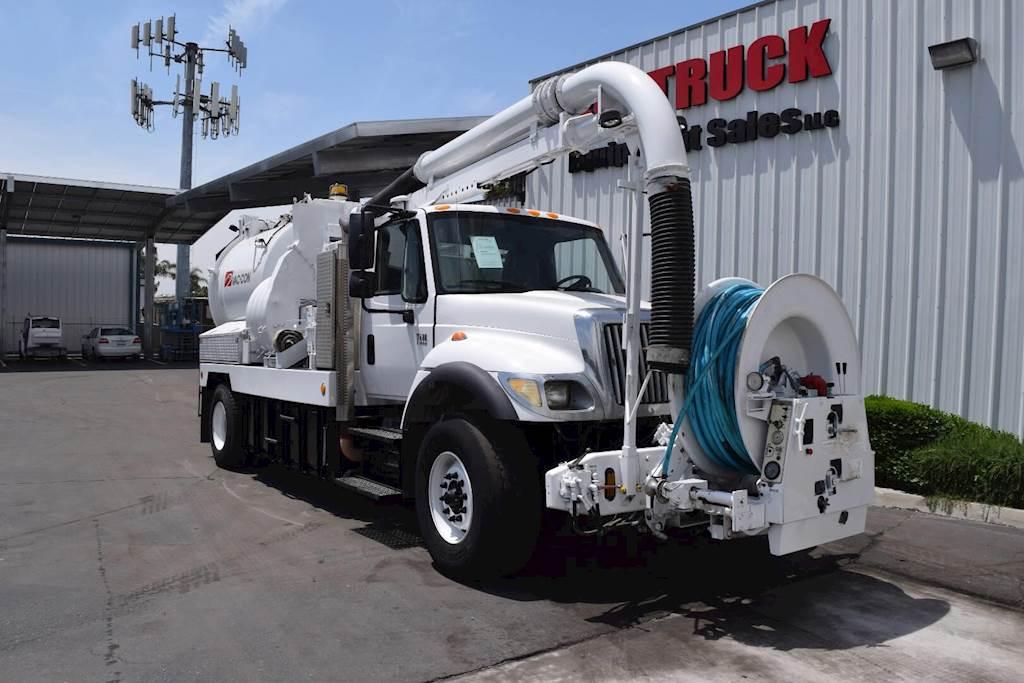 2003 International 7400 Tandem Axle Vacuum Truck, DT530, Automatic For  Sale, 89,403 Miles | Fontana, CA | 4836 | MyLittleSalesman com