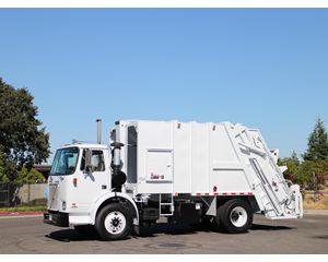 Volvo WX42 Garbage Truck