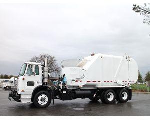 Volvo WXR64 Garbage Truck