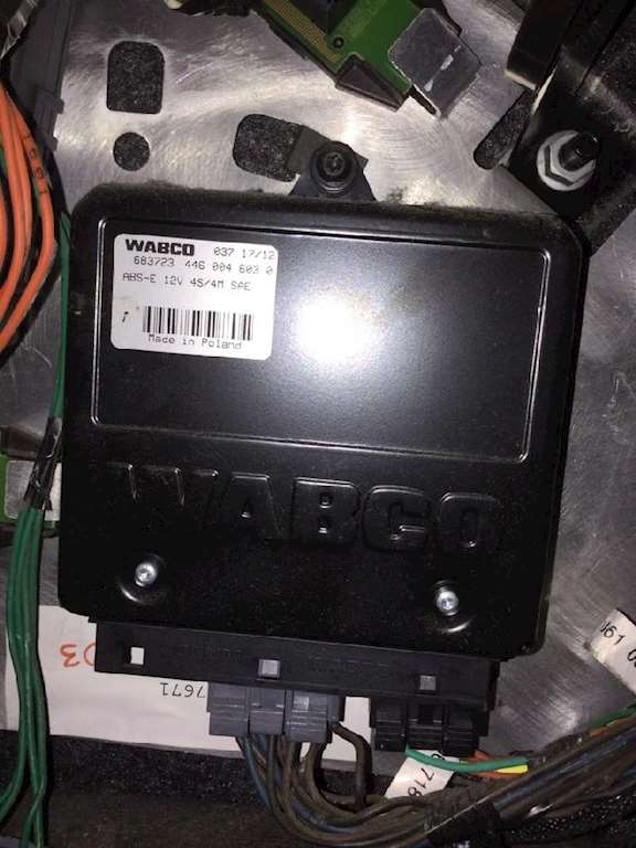 Freightliner Cascadia 125 Abs Control Module For A 2013