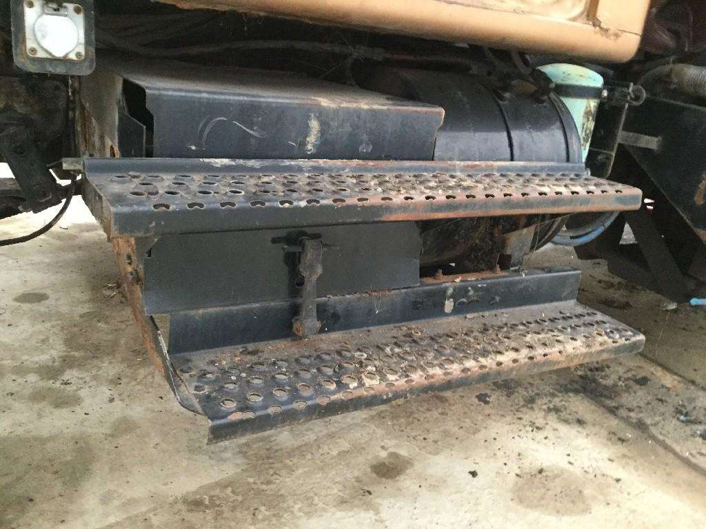 1999 International 4900 Battery Box For Sale