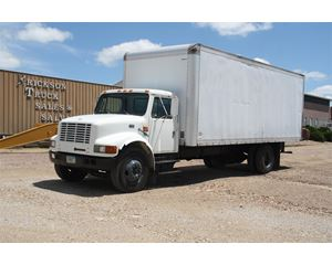 International 4700 Box Truck / Dry Van
