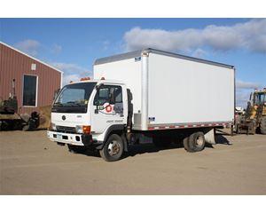 UD 1300 Box Truck / Dry Van