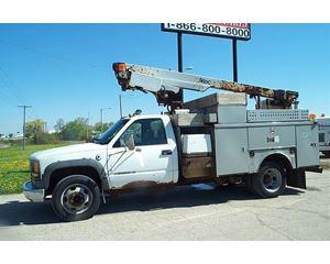 Chevrolet 3500 Bucket / Boom Truck