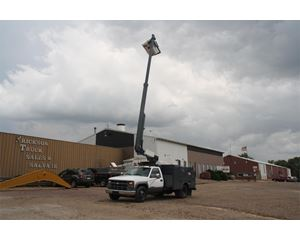 Chevrolet 3500HD Bucket / Boom Truck