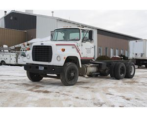 Ford 9000 Heavy Duty Cab & Chassis Truck