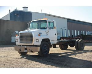 Ford L7000 Heavy Duty Cab & Chassis Truck