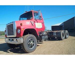 Ford L9000 Heavy Duty Cab & Chassis Truck