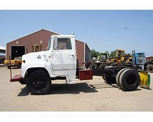 Ford LN7000 Heavy Duty Cab & Chassis Truck