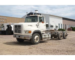 Ford LT9000 Heavy Duty Cab & Chassis Truck