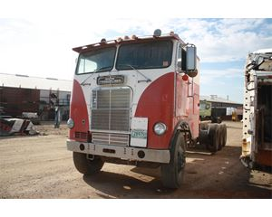 Freightliner FLA86 Heavy Duty Cab & Chassis Truck