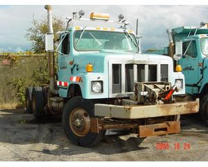 International 2574 Heavy Duty Cab & Chassis Truck