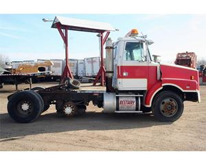 White / GMC WG64T Heavy Duty Cab & Chassis Truck