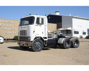 International 1600 Cabover Day Cab