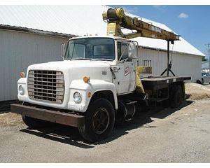 Ford 8000 Crane Truck
