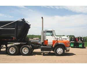 Ford L9000 Day Cab Truck