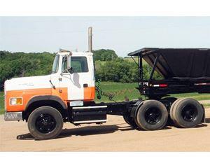 Ford LA9000 Day Cab Truck