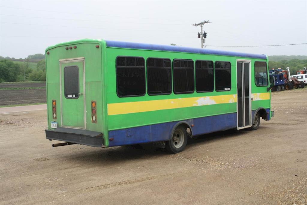 1998 Chevrolet P30 Bus