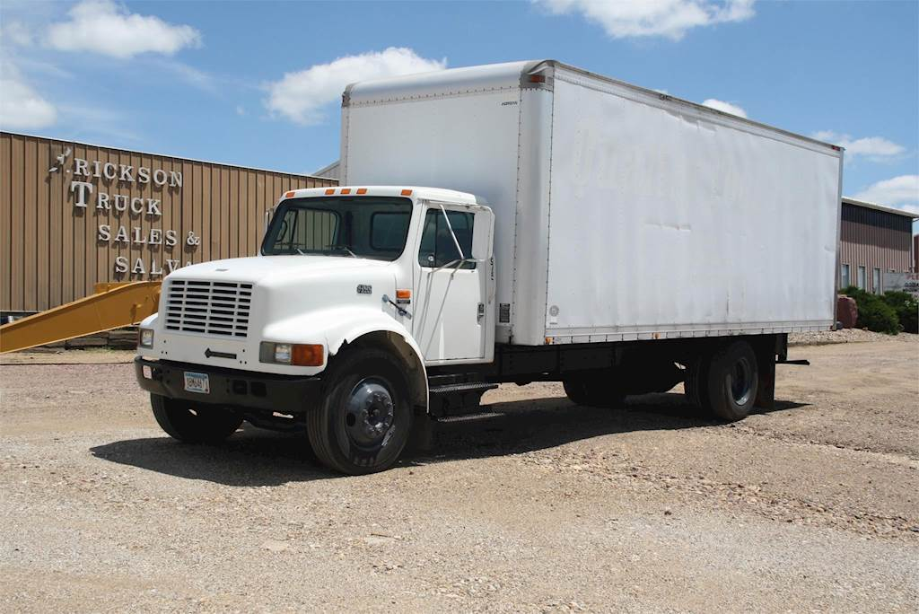 1998 International 4700 Box Truck / Dry Van For Sale | Jackson, MN | D669 |  MyLittleSalesman.com