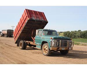 Ford 600 Farm / Grain Truck