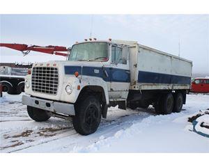 Ford 880 Farm / Grain Truck