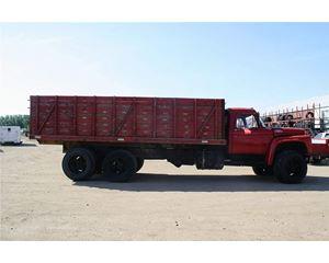 Ford C750 Farm / Grain Truck