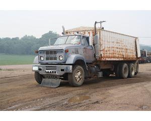 GMC C70 Farm / Grain Truck