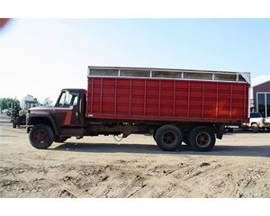 International 1900 Farm / Grain Truck