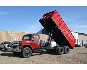 International 1954 Farm / Grain Truck