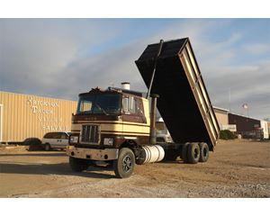 Mack R600 Farm / Grain Truck