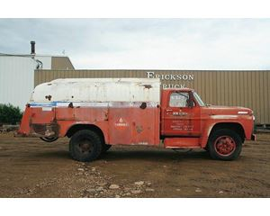 Ford F-600 Fuel / Lube Truck