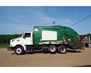 Ford L8513 Garbage Truck