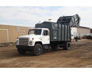 International S1700 Garbage Truck